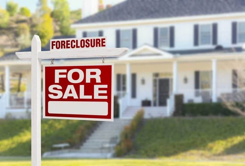 What Does a Real Estate Lawyer Do in Foreclosure Cases?